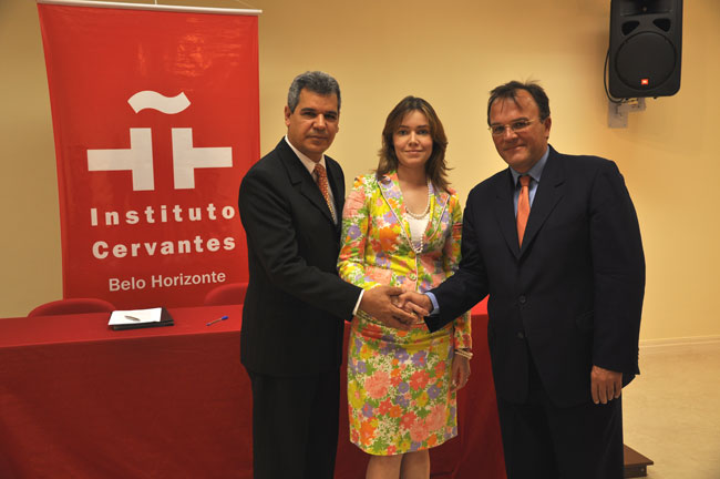 foto_convenio_cervantes-2