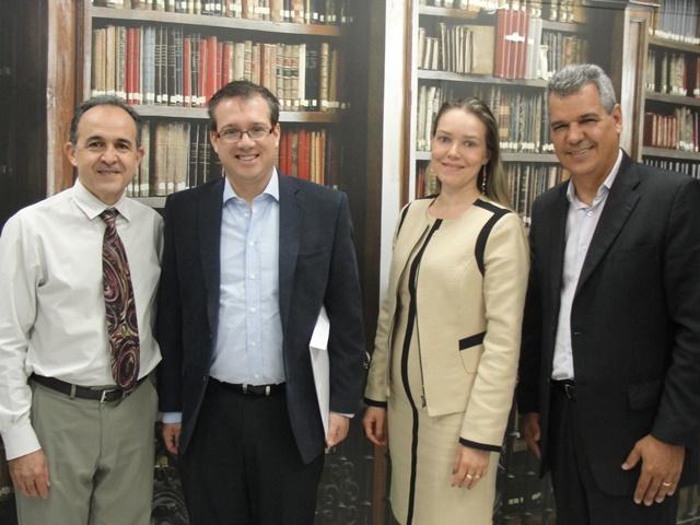 presidente-da-universidade-john-kennedy-em-visita-ao-iesla-no-brasil
